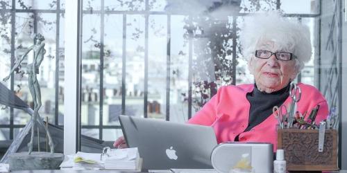 yvette-roudy-88-ans-loeil-vif-et-du-franc-parler-dans-son-appartement-parisien.jpg